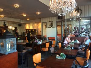 hotel-stadskanaal bar eten lunch diné avond eten